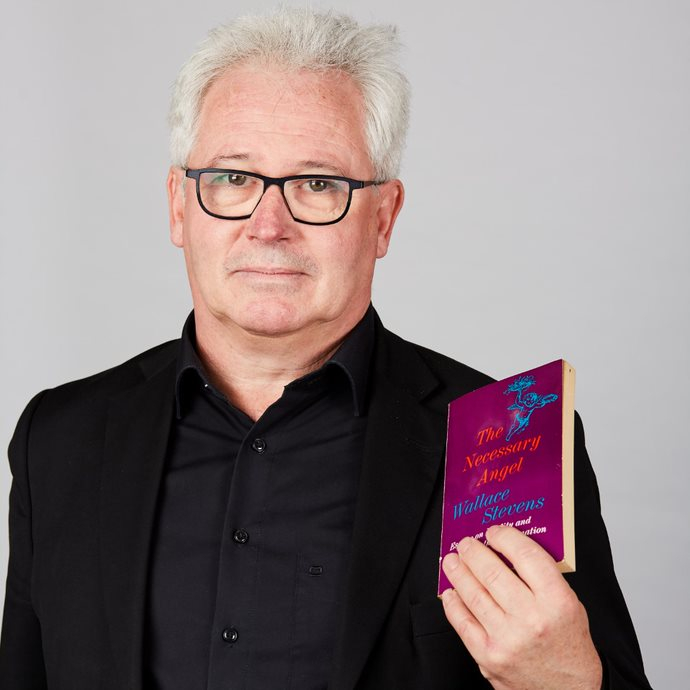 Hans Vandevoorde with book